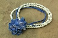 Denim necklace with flower