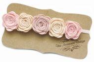 Детска лента за коса с розички от филц изработени на ръка