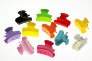 Small plastic hair claw